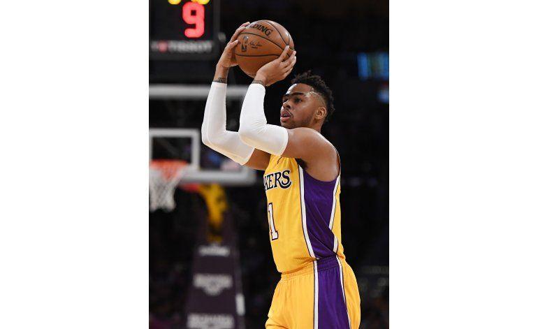 Russell y Randle tiran de unos renacidos Lakers ante Nets