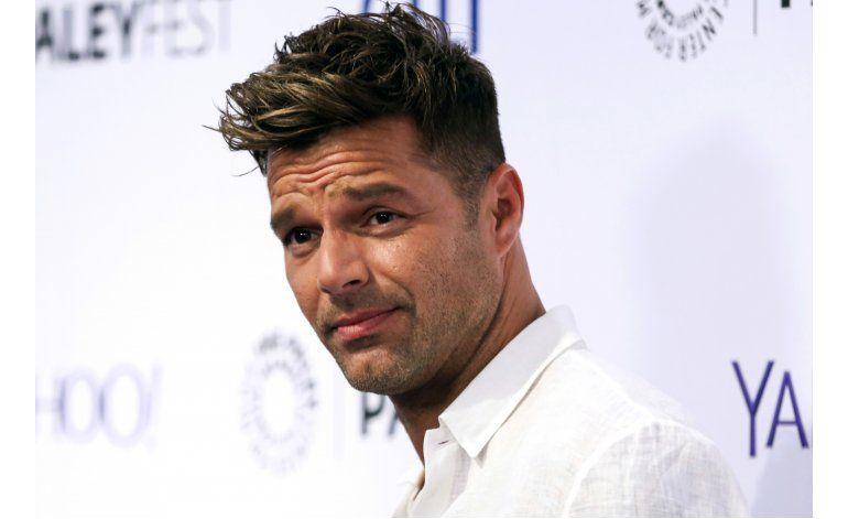 Ricky Martin se compromete con artista conceptual Jwan Yosef