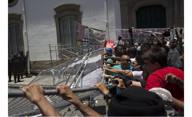Río: Disuelven manifestación contra medidas de austeridad