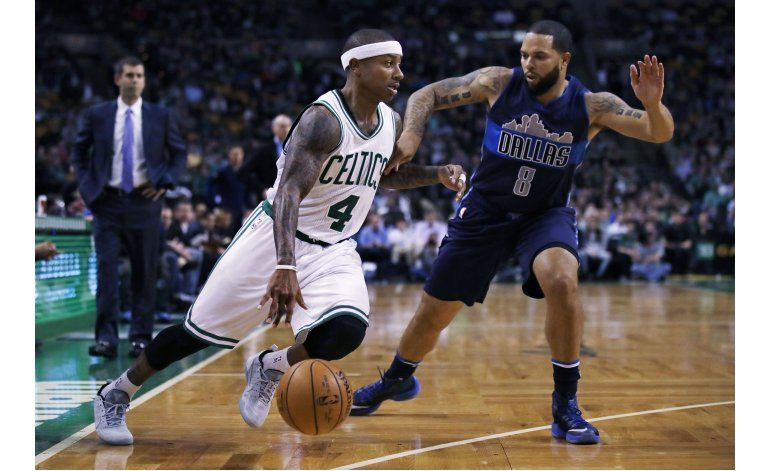 Thomas brilla en cuarto período, Celtics superan a Mavericks