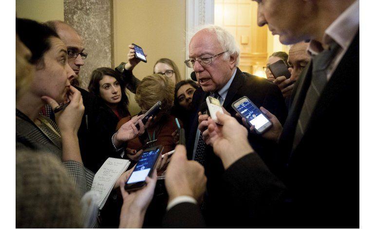 Sanders a Trump: anule puesto de Bannon, mantenga promesas