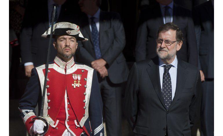Rey de España pide a parlamento ganarse confianza de público