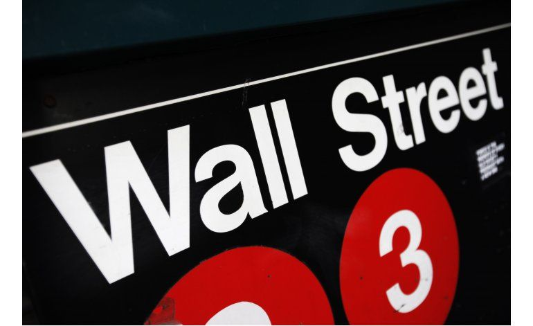 Ganancias en acciones bancarias impulsan a Wall Street
