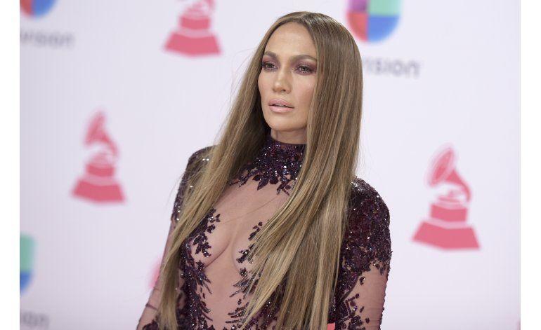 JLo y Marc Anthony se salen del guion en los Latin Grammy