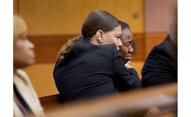 Juez ordena pago de 36 millones por muerte de Bobbi Kristina