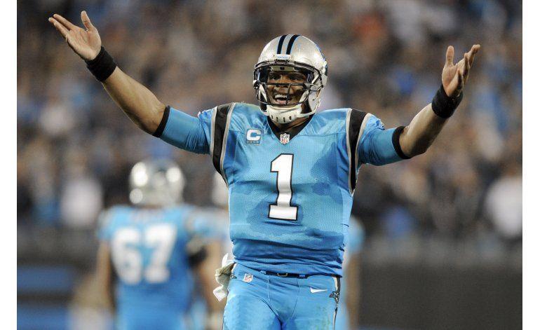 Panthers ganan a Saints 23-20 en juego marcado por lesiones