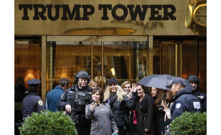 Trump Tower de Nueva York se convierte en imán para turistas