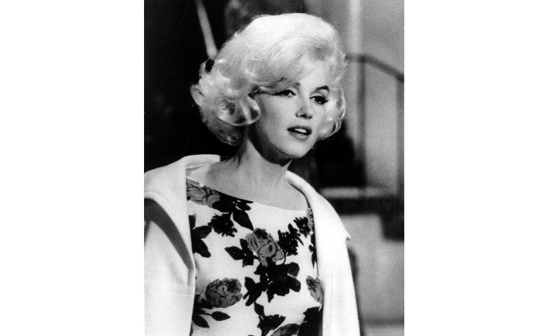 Vestido de Monroe para cantar a Kennedy se vende en 4,8 mdd