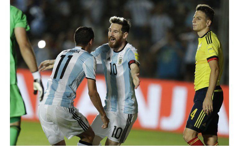 Mundial: Boca vence a River en puja por estadio mundialista