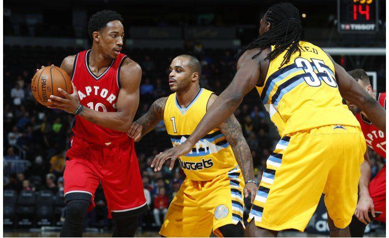 DeRozan anota 30 puntos otra vez; Raptors vencen a Nuggets