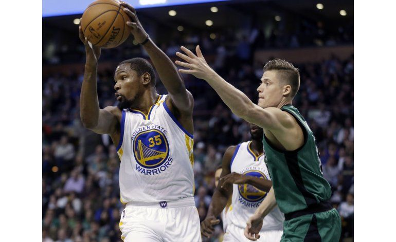 Thompson y Durant brillan; Warriors aplastan a Celtics