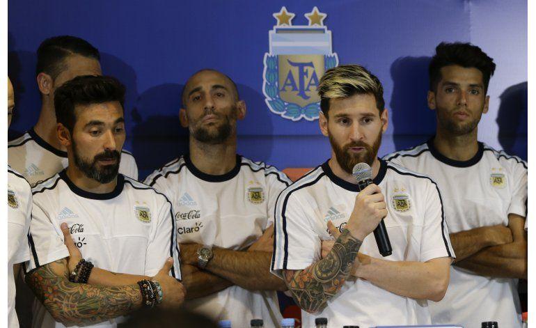 Messi sufre vómitos y es baja contra Málaga
