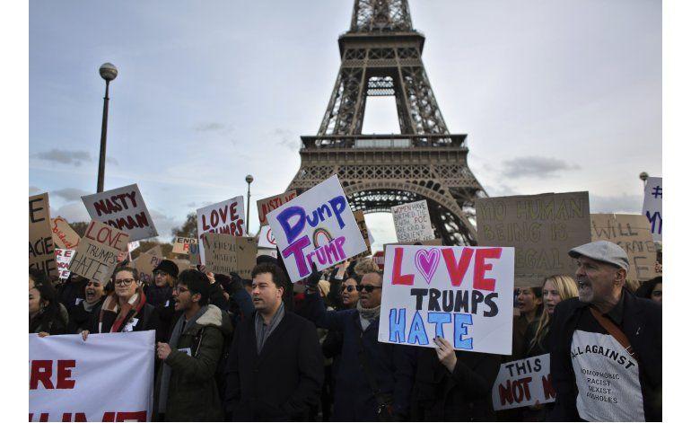 Multitudinaria protesta contra Trump en Francia