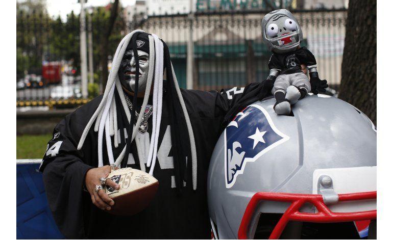 Raiders confían en que Smith juegue en México