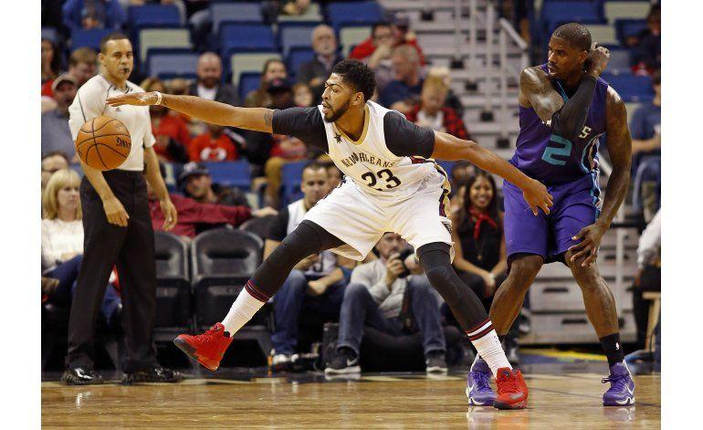 Pelicans superan a Hornets en tiempo extra