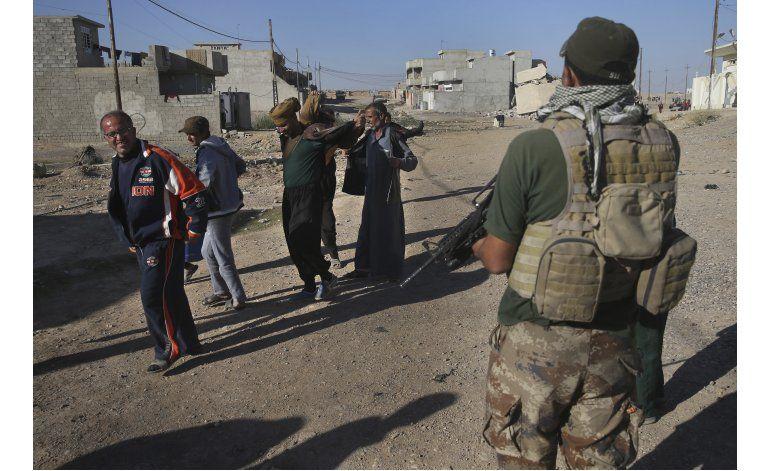 Fuerzas iraquíes presionan a grupo EI en el este de Mosul