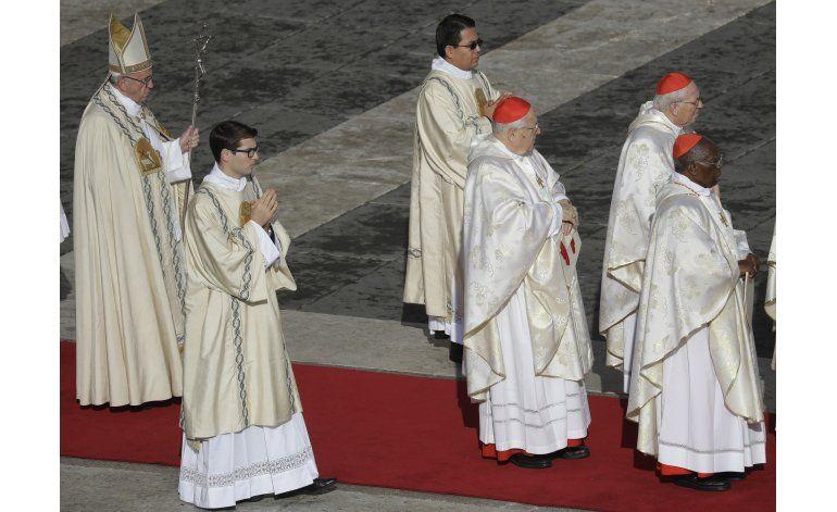 Papa cierra su Año Santo, pide espacio para reconciliación