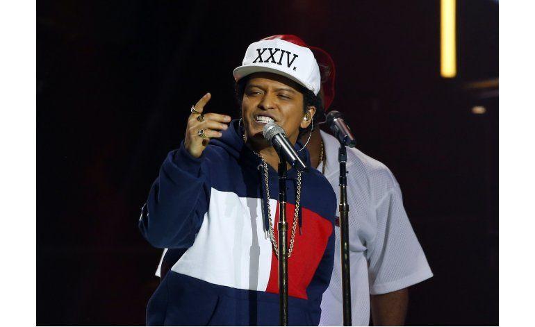 Lady Gaga, Bruno Mars, Sting actúan en American Music Awards