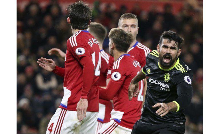 Diego Costa instala a Chelsea en la cima de la Premier