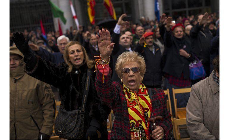 Nostálgicos del franquismo realizan acto en Madrid