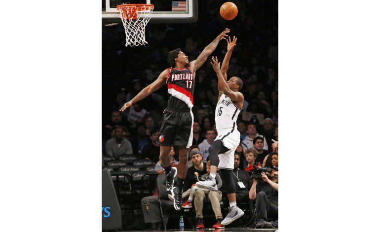 Con 33 puntos de McCollum, Portland gana en Brooklyn