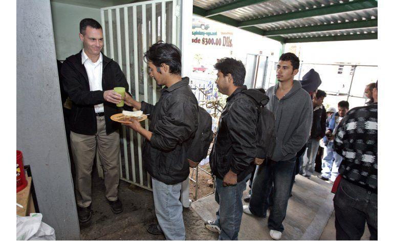 EEUU: Peligros para migrantes alcanzan refugio en frontera
