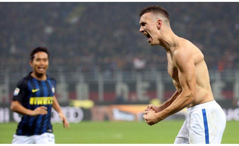 Inter rescata empate ante Milan en la agonía del clásico