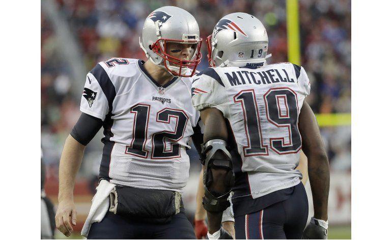 Brady lanza 4 pases de anotación; Patriots vencen a 49ers