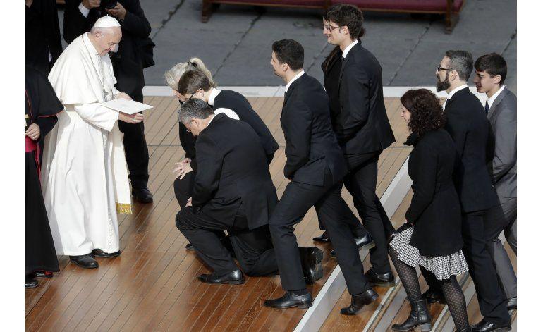 El papa permitirá absolver el pecado grave del aborto