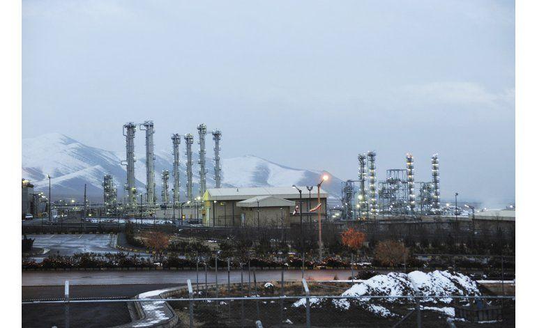 Irán exporta excedentes de agua pesada