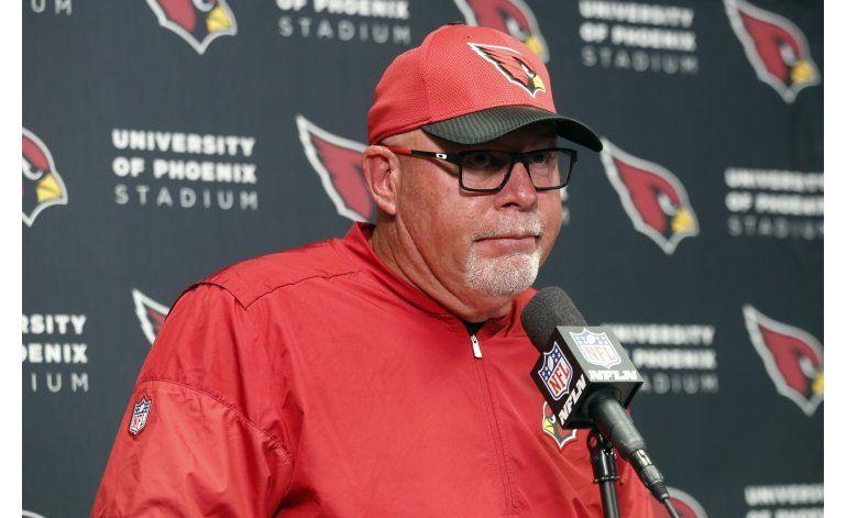 Entrenador Bruce Arians, de Cardinals, es hospitalizado
