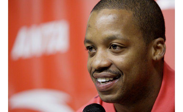 Francis, ex jugador de Rockets, acusado de amenaza a policía