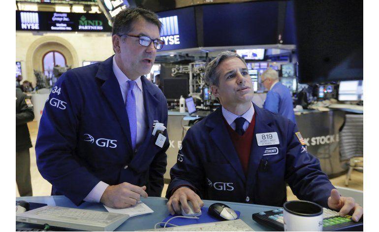 Bolsas imponen nuevas marcas mientras petróleo sube