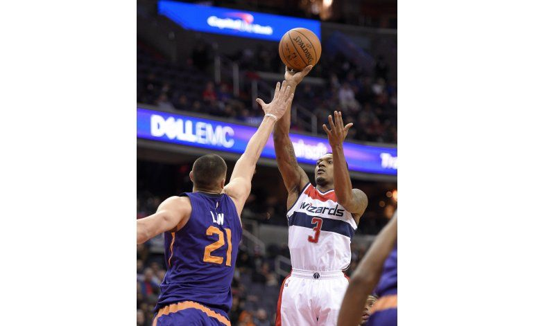 Beal brilla con 42 puntos; Wizards se imponen a Suns