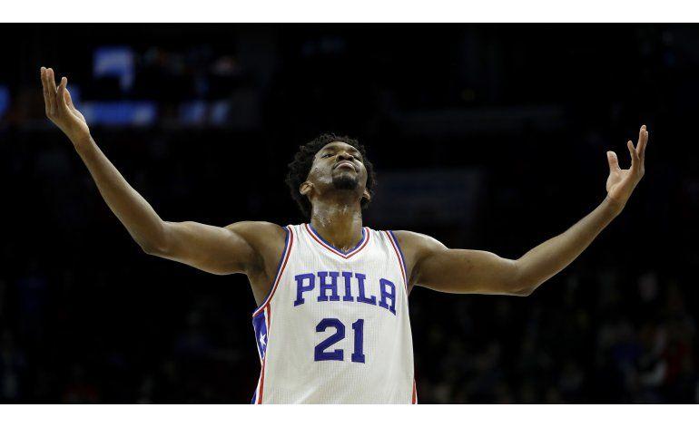 Los 76ers vencen al Heat y ganan 4to seguido en casa