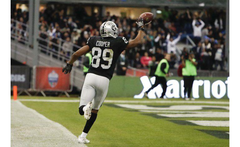 Raiders vencen a Texans en regreso de la NFL a México