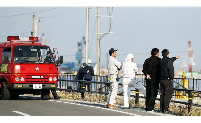 Sismo causa tsunamis en Japón; renueva preocupación nuclear