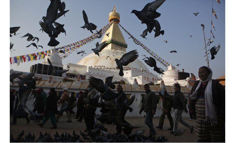 Estupa nepalí reabre tras restauración sin ayuda de gobierno