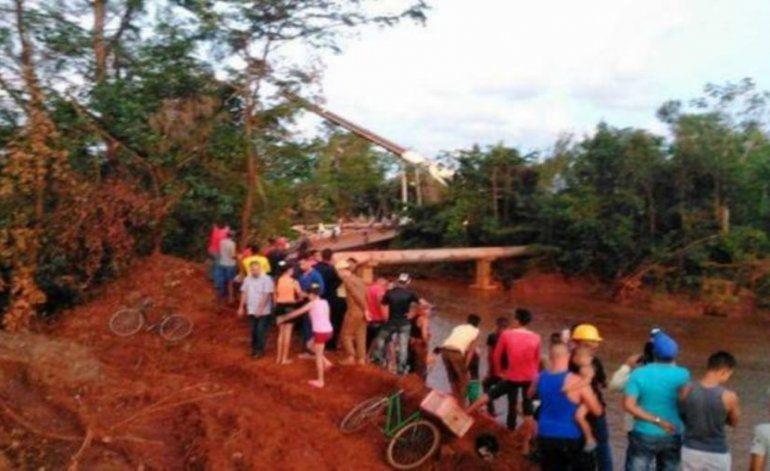 Mueren cuatro trabajadores al colapsar puente que reparaban en Moa, Holguín