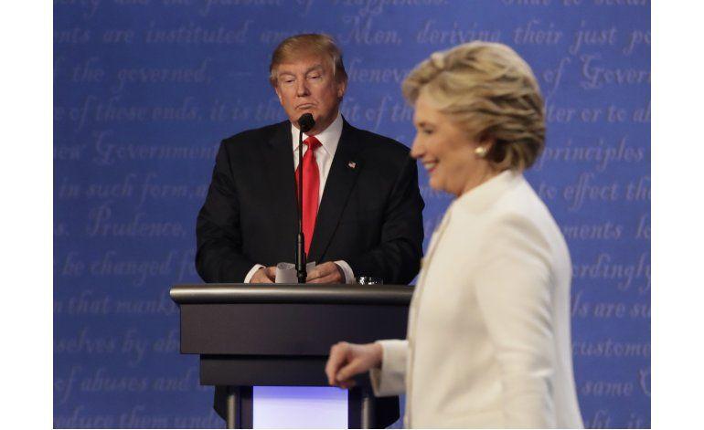 Expertos piden que Clinton solicite recuento en tres estados