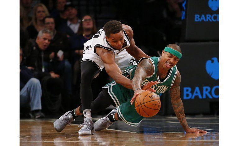 Thomas anota 23, Celtics vencen 111-92 a Nets