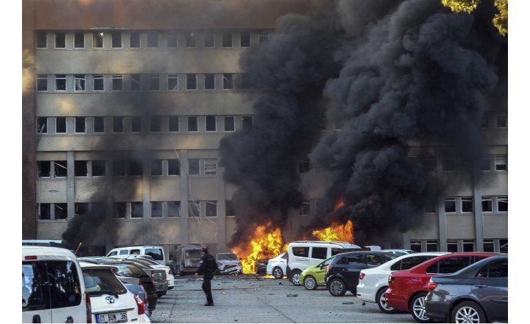 Coche bomba en el sur de Turquía causa 2 muertos, 33 heridos