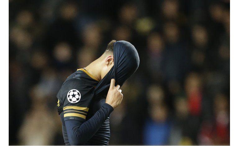 Tottenham vuelve al lugar de su colapso por el título