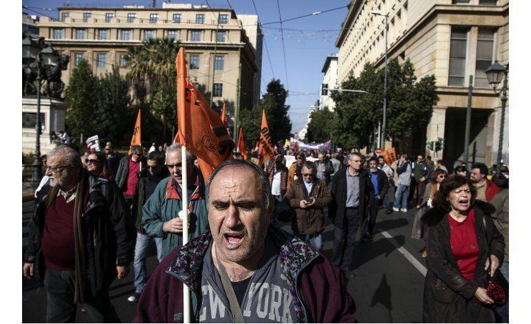 Grecia espera alivio a la deuda en medio de una huelga