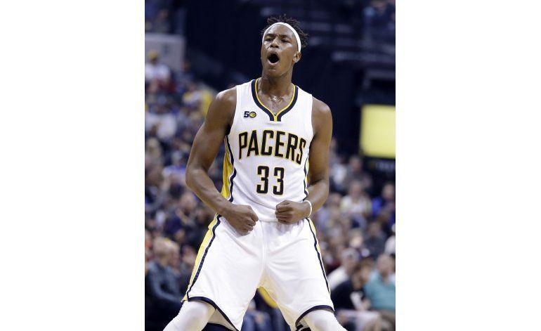 Con 20 de Robinson, Pacers apabullan a Nets