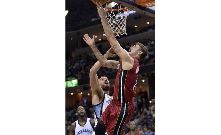 Tyler Johnson lleva al Heat a la victoria sobre Grizzlies
