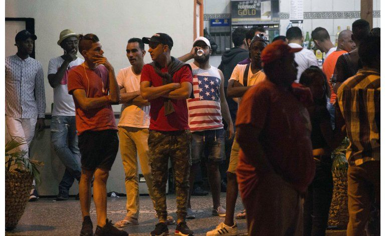 LO ULTIMO: EEUU no modifica postura hacia Cuba tras Castro