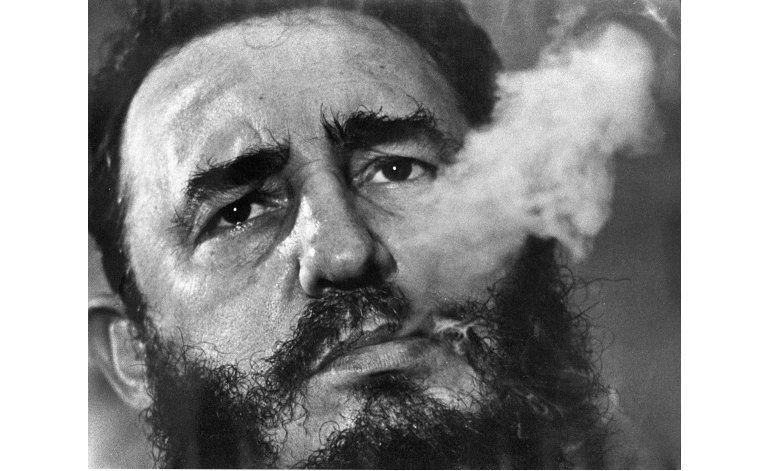 Celebridades reaccionan a la muerte de Fidel Castro