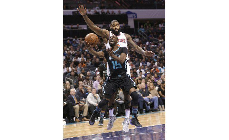 Hornets salen de mala racha, con triunfo sobre Knicks