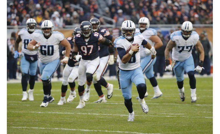 Con 2 touchdowns de Mariota, Titans saca triunfo en Chicago